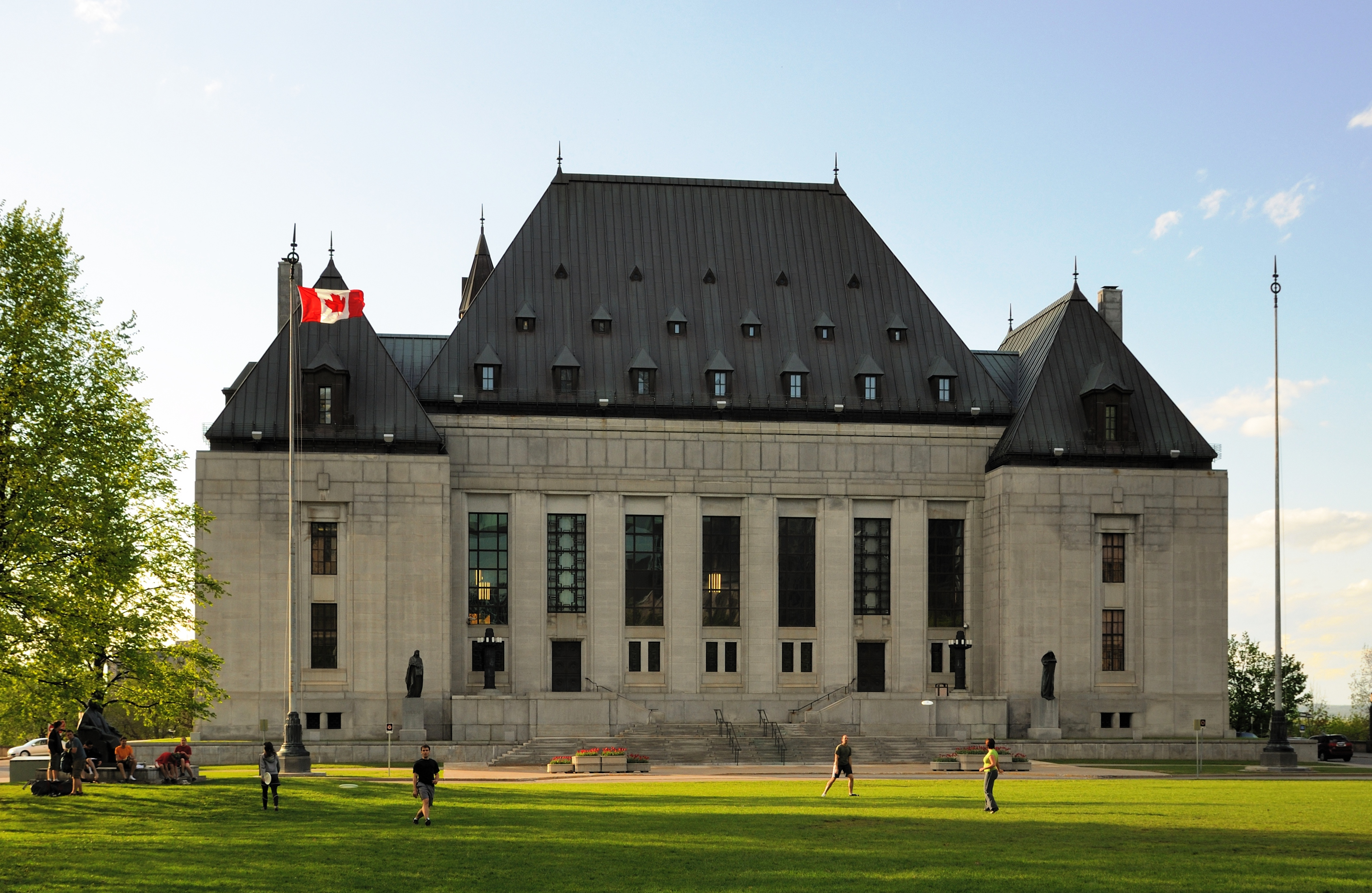 Canada Supreme Court rules police officers cannot sue Crown prosecutors for misfeasance